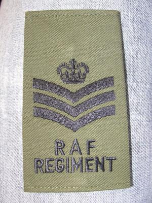 Passant fourreau de grade poitrine STAFF SERGEANT vert OD Royal Air Force RAF